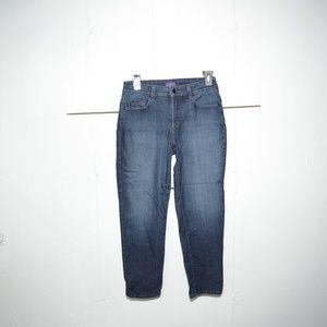 NYDJ womens capris size 4 -7054-